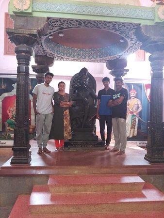 statue of kattabomman