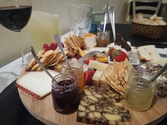 Formaggeria Biancolatte : Tagliere di formaggi