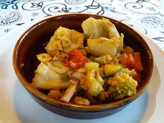 Fiscal, Spain: bacalao con verduras