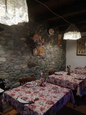 Montjovet, Italy: Sala da Pranzo al piano terra