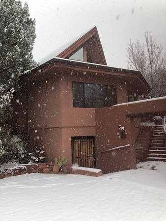 The Suites at Sedona B&B: Outside view