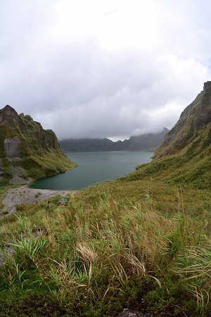 Capas, Philippinen: 4x4 ride and hike to crater