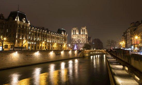dating ιστοσελίδες Παρίσι Γαλλία μικρόφωνο κέντρο Muson σε απευθείας σύνδεση dating