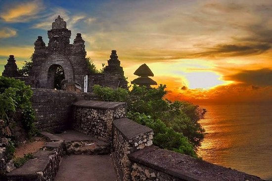 Full-Day South Bali Tour and Uluwatu...