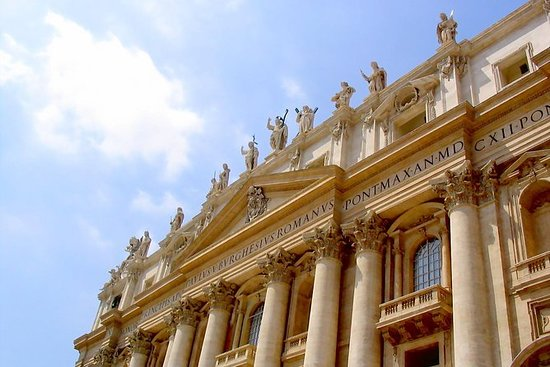 Vatican, Colosseum and Catacombs Tour...