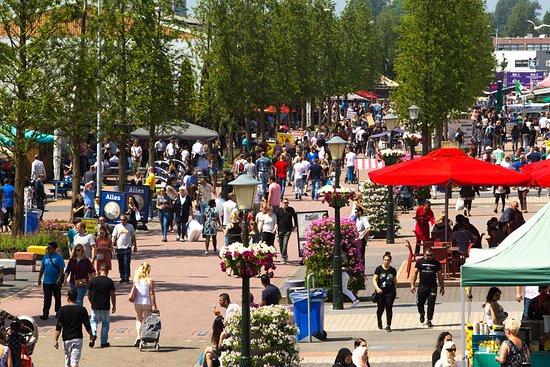 Beverwijk, Nederland: The Bazaar Boulevard
