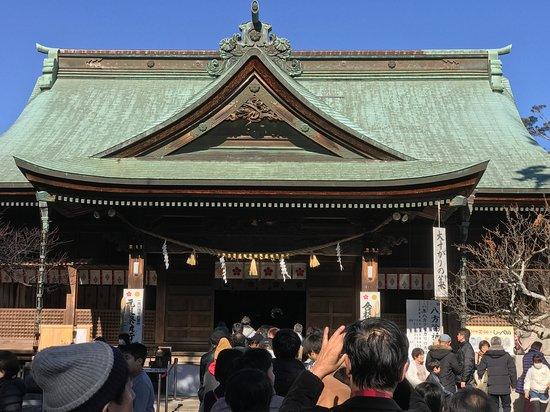Iwata, Japan: 拝殿前の列