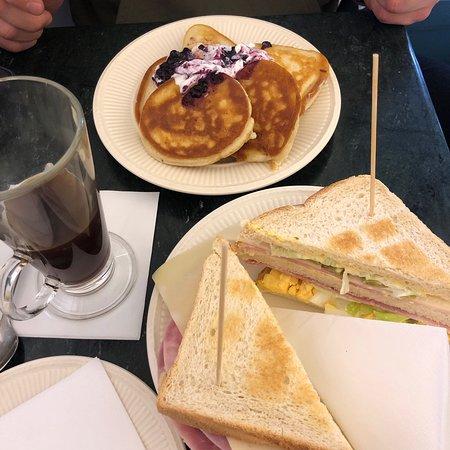 Cafe No. 3>