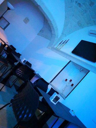 San Michele Salentino, Italie : Saletta interna