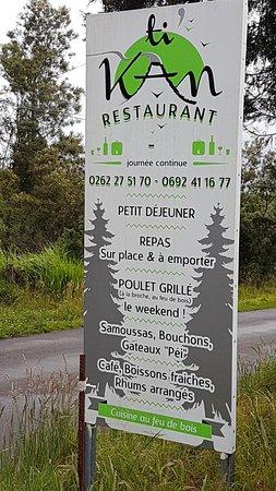 Bourg-Murat, เกาะเรอูนียง: Auberge sur la route du volcan, ~ 5km de Bourg Murat