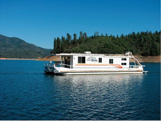 Angels Camp, Californie : Spend the weekend on the water with all the amenities of a hotel room, and more! Our houseboats offer all that you need to have a fantastic vacation for you and your friends and family.