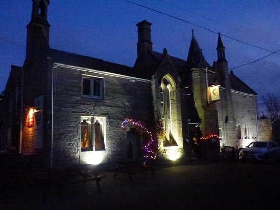 The Hostelrie at Goodrich Restaurant: View of stunning building from outside