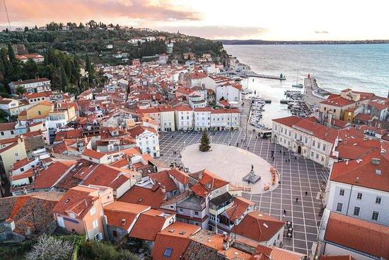 """Atardece sobre Piran, ciudad """"veneciana"""" en la costa de Eslovenia ;)"""