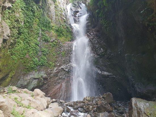 Yeh Mempeh Waterfall