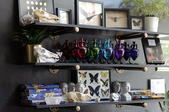 Providence, RI: Cool shelf