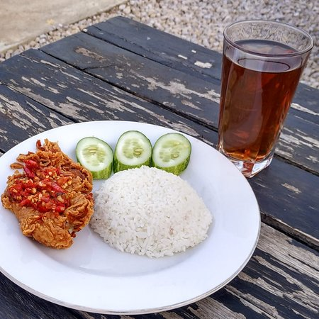 R.M Bina Rasa: Ayam geprek