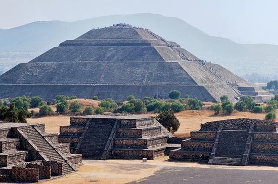 Early Morning Teotihuacan Pyramids...