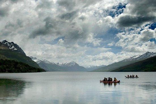 Full Day Trekking y Canoa en el...