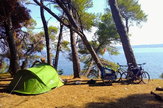 Alquiler de carpa y equipo de camping.