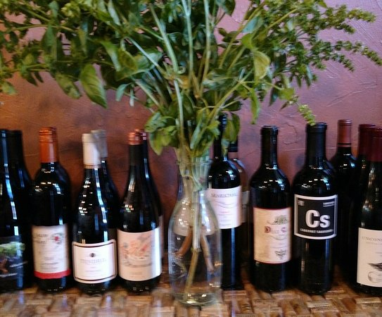 Brownsville, OR: Harpers Wine House