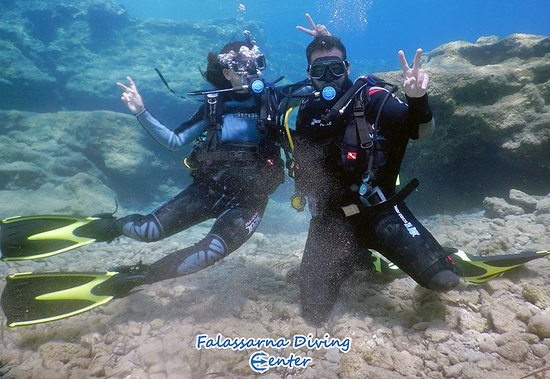 Underwater fun! PADI Discover Scuba Diving Program with Falassarna Diving Center!
