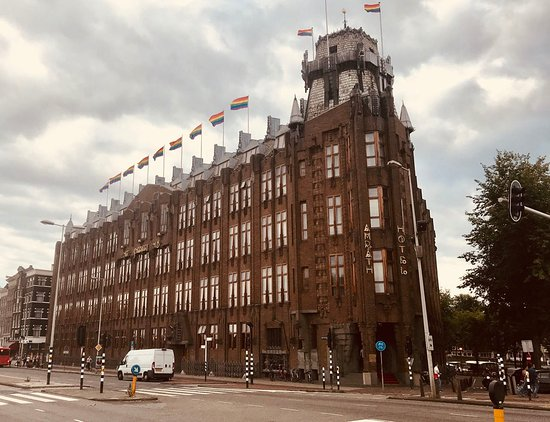 The Scheepvaarthuis (now Amrath hotel) with the LGBT flags flying proudly!