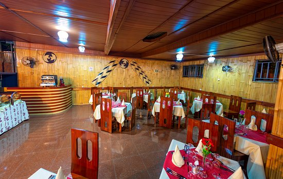 Kigali Province, Rwanda: come and enjoy delicious food and make special orders for you and your loved ones.  We have an indoor restaurant and bar which are open for breakfast, lunch, and dinner served up to the last client and at very affordable rates for everyone. Our cuisine is mostly international and suited for our clients from other continents who wants to taste Rwandan and African dishes in general to their satisfaction. A function buffet in terms of outside catering and a menu card are served every day.