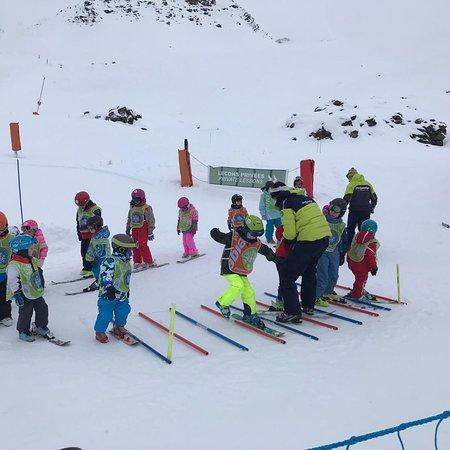 Super fijne internationale skischool!