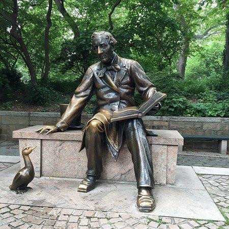 Hans Christian Andersen Statue (New York) omdömen