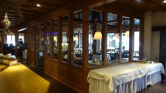 Emmetten, Suiza: Espace restaurant