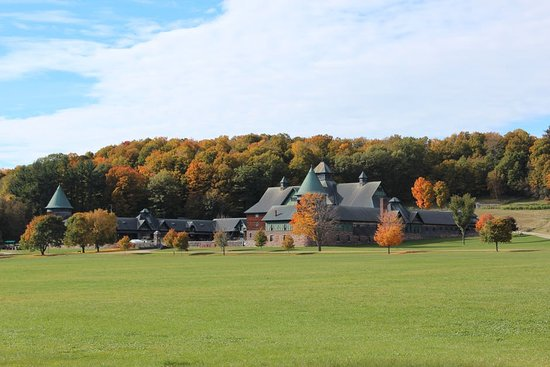 Best Hotels in Vermont   U.S. News. Made INN Vermont B&B a luxury hotel as among the Best Hotel in Vermont.