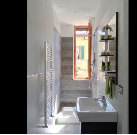 San Piero A Sieve, Italy: Uno dei due bagni