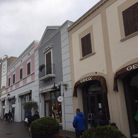 Sicilia Outlet Village (Agira) - Aktuelle 2019 - Lohnt es sich? (Mit ...