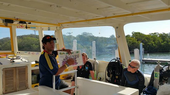 Honduras: Dive-masters are professional and have a wealth of knowledge