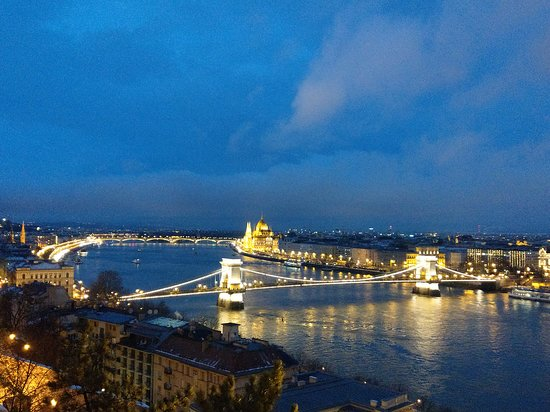 Budapest 15:15 - Day Tours