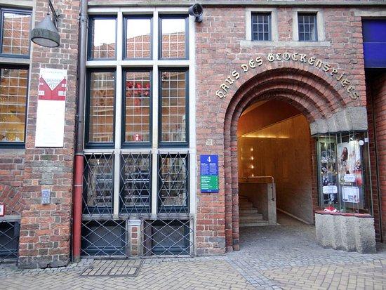 Glockenspiel House