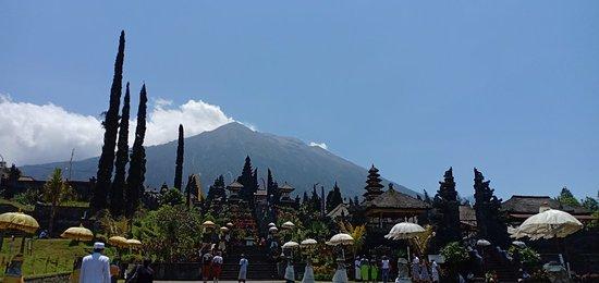 Pemuteran Bali Travel