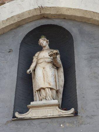 St. Elisabeth Church - facade niche