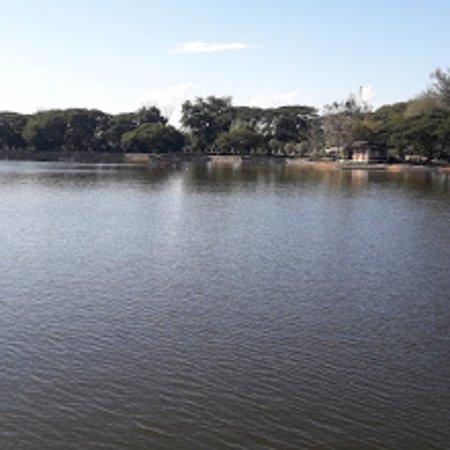 Lampang, Tailandia: Lake at the park