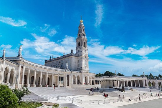 Fátima Sanctuary and Oporto. One day...