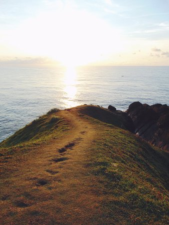 Howling winds naturally carved the breathtaking coastlines of Catanduanes. Binurong Point in barangay Guinsaanan in the town of Baras is one of those. Binurong's so serene and visually satisfying. 180 degrees of picturesque natural wonder. 😍