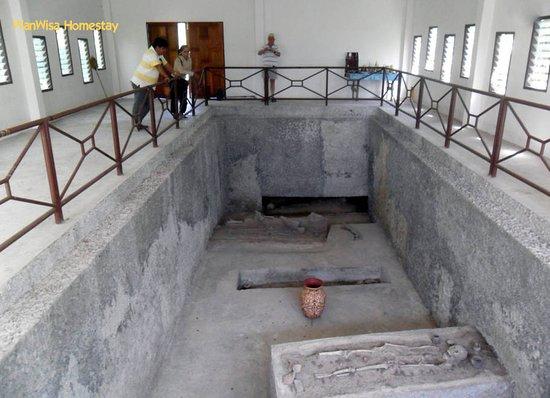 Non Sang, Thaïlande: Archeological Site @ Ban Kut Kwang Soi (<5 km from WanWisa Homestay)