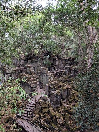 Beng Mealea temple ruins