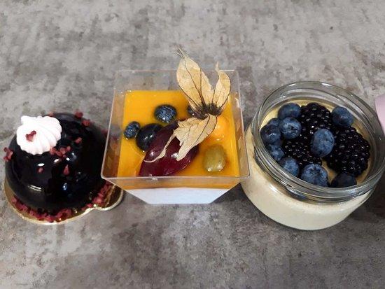 Nagymaros, Hongaria: 'Free' desserts