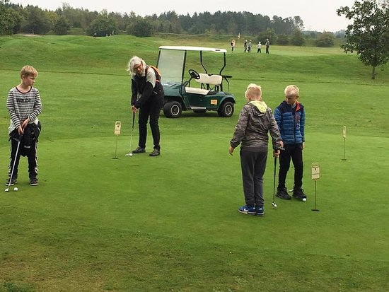 Soender Felding, Denmark: Vores juniorafdeling rummer såvel spillet som det sociale. Alle er velkomne!