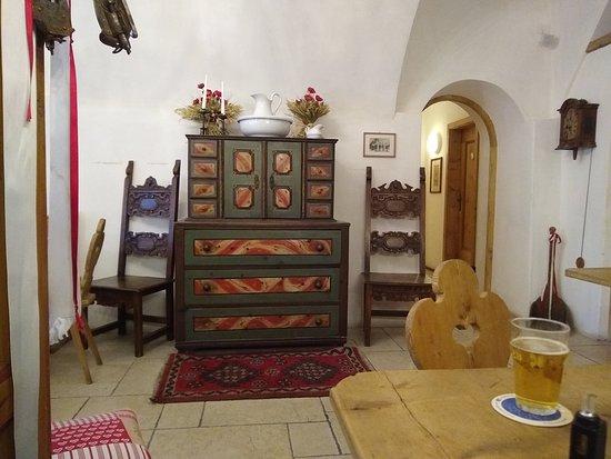Bar Dolomiti: interno locale piano interrato