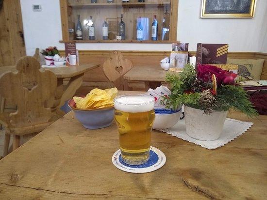 Bar Dolomiti: birretta (aperitivo)