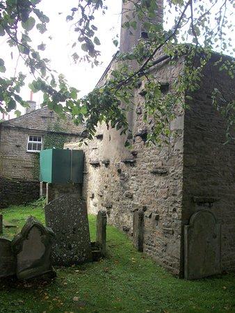 Hawes, UK: churchyard outside