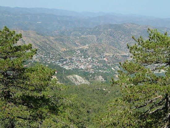 Kipr Travel: Вид на деревню Педулас