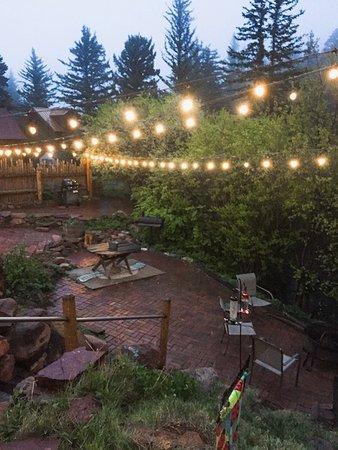 Cuchara, Колорадо: Lights in yard for evening enjoyment.